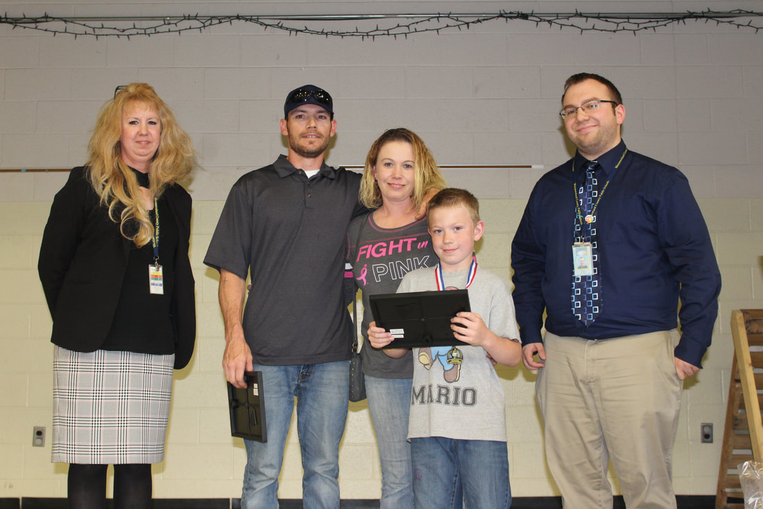 WD student and family receive special recognition for helping during the 3rd grade field trip.